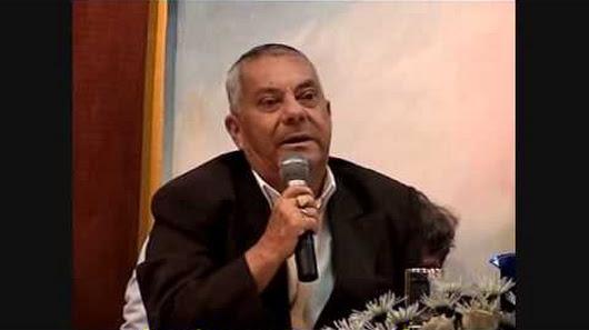 Le Maître Lakhsmi lors de ses conférences gnostiques